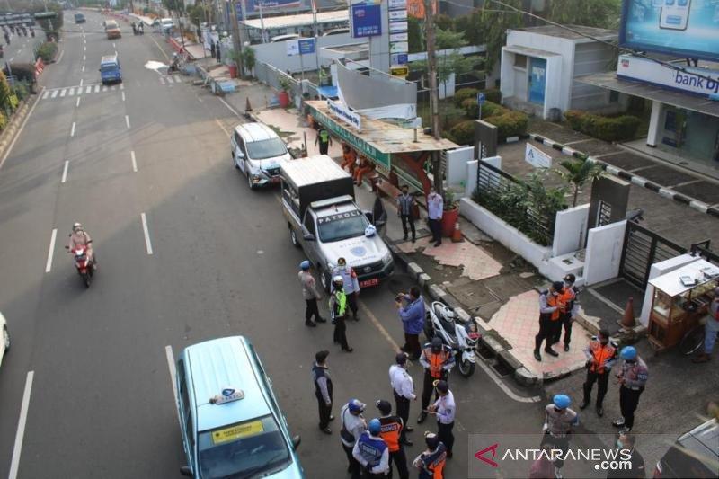 Polrestro-Dishub Depok tertibkan parkir liar di Jalan Margonda