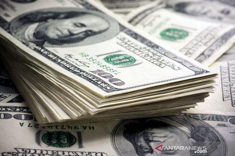 Tunggu data inflasi dan penjualan ritel AS, dolar turun tipis