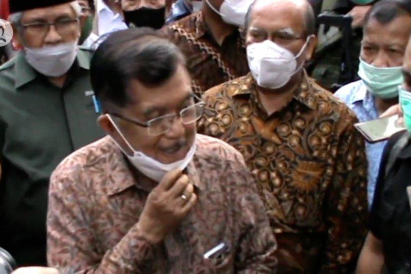 Kunjungi Gereja Katedral Makassar, Yaqut & JK sampaikan simpati