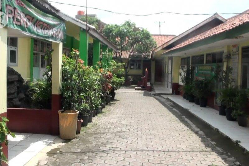 Pemkot Bandung targetkan gelar KBM tatap muka Juni 2021