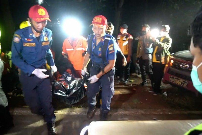 Korban tewas bus masuk jurang menjadi 28 orang