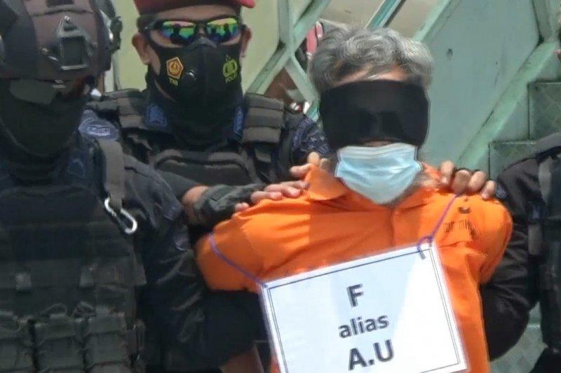 22 terduga teroris asal Jatim tiba di Jakarta