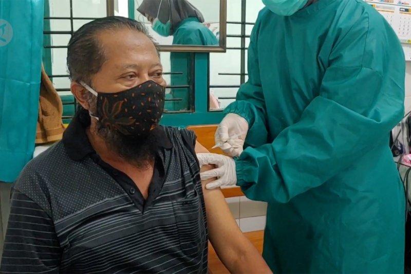 Pemkot Pekalongan mulai vaksinasi COVID-19 lansia