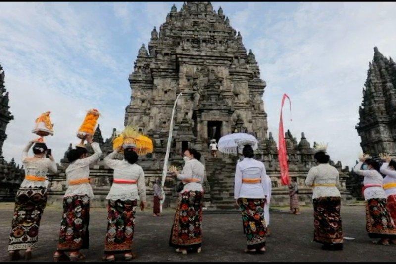 Umat Hindu gelar Tawur Agung Kesanga di Candi Prambanan