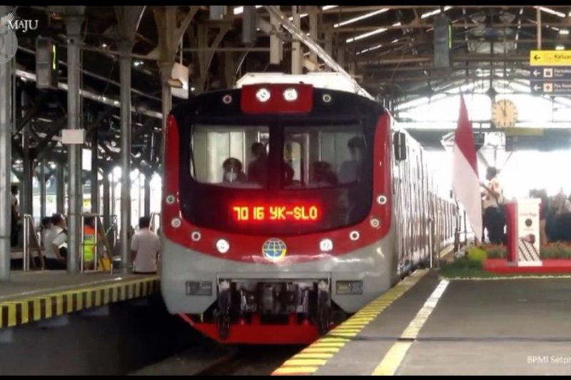 Resmikan KRL Jogja-Solo, Presiden inginkan transportasi lebih ramah lingkungan