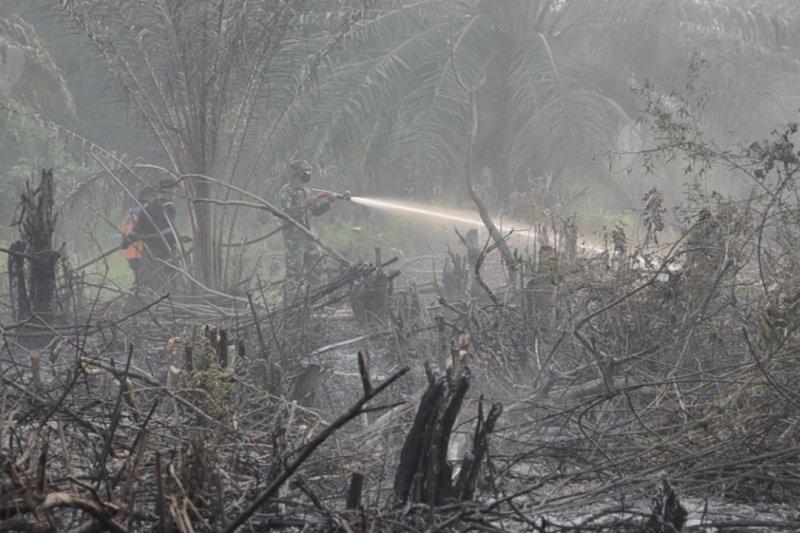 Tiap kabupaten kota di Riau bangun posko siaga dan siapkan ekskavator