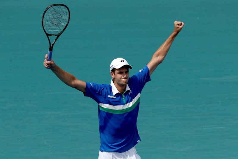 Hurkacz hentikan Tsitsipas di perempat final Miami Open