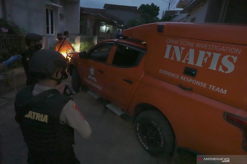 Densus tangkap lagi satu terduga teroris di Depok