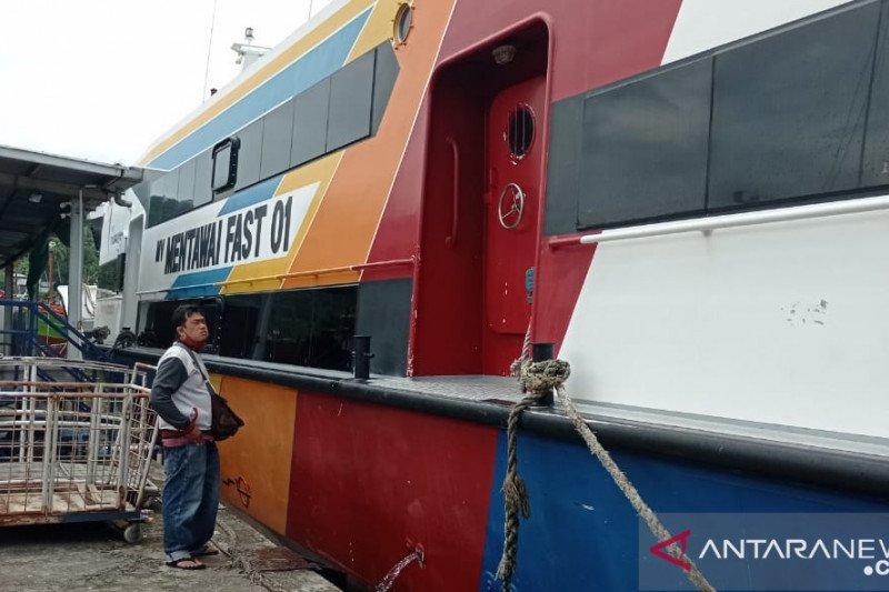 Kapal cepat Padang-Mentawai batalkan keberangkatan akibat cuaca buruk