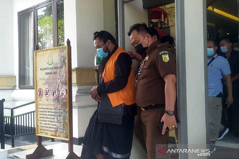 Terdakwa kasus cabul berkedok spiritual ajukan eksepsi di PN Denpasar
