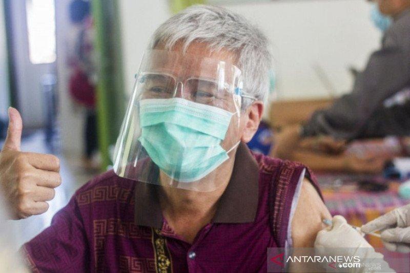 Kadinkes Banjarmasin: Target vaksinasi bagi lansia melambat