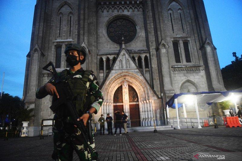 Penjagaan di Katedral Jakarta