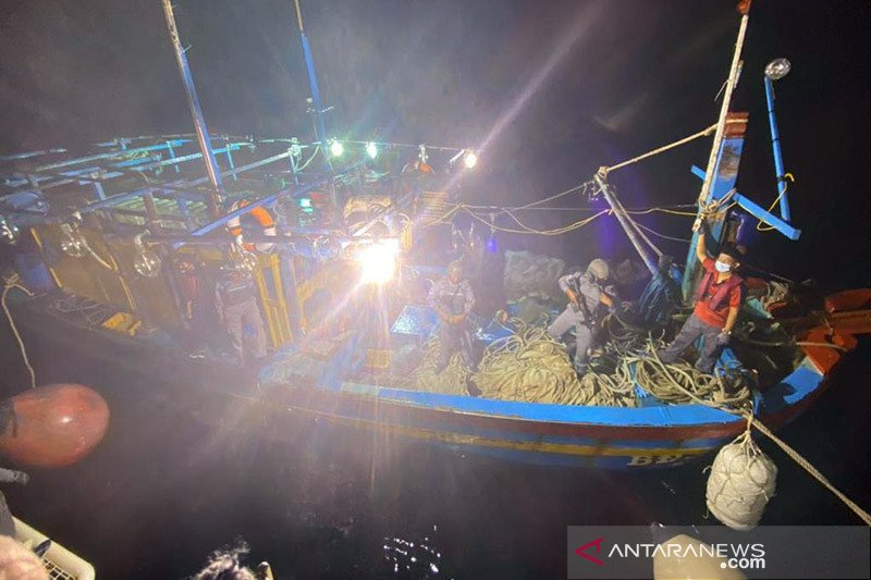 Bakamla hentikan kegiatan kapal Vietnam di Natuna