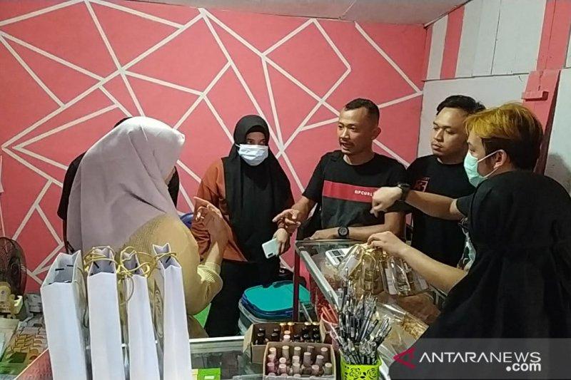 Polda Jambi menggerebek toko penjual kosmetik tanpa izin BPOM