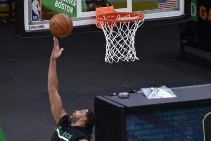 Celtics petik kemenangan 118-102 atas Rockets