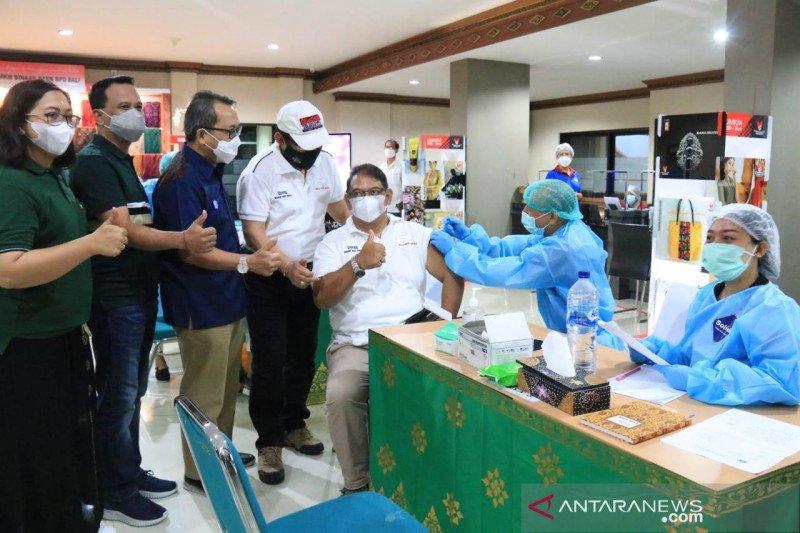 Wagub Bali: Vaksinasi di tiga kawasan zona hijau hampir 100 persen
