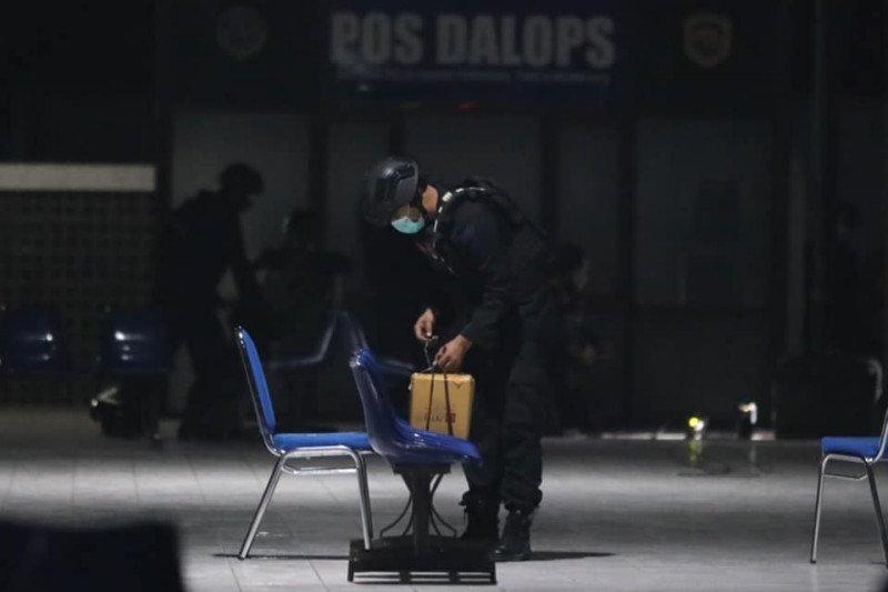 Tim Gegana amankan benda mencurigakan di Terminal Purbaya Kota Madiun