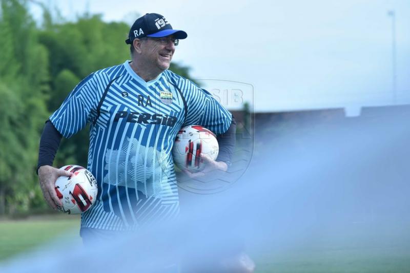 Pelatih Persib senang bisa tampilkan semua pemain di Piala Menpora