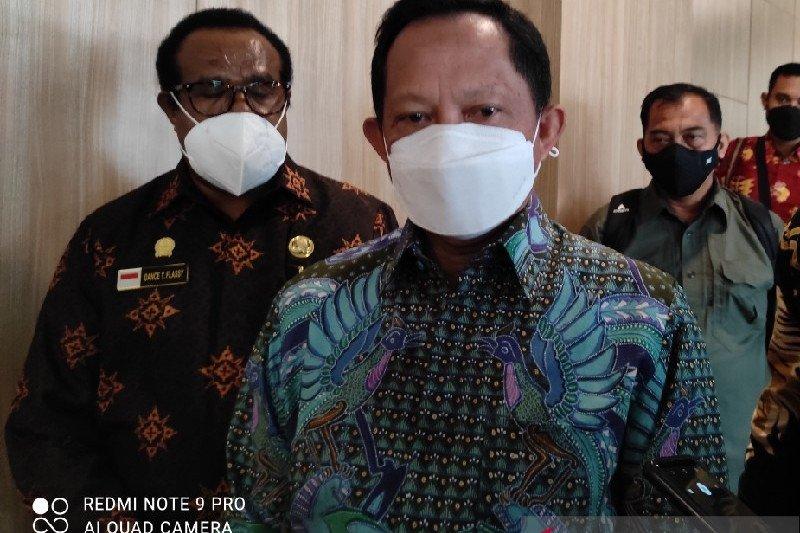 Mendagri Tito: Gubernur Enembe ke PNG tanpa ijin salah walaupun berobat