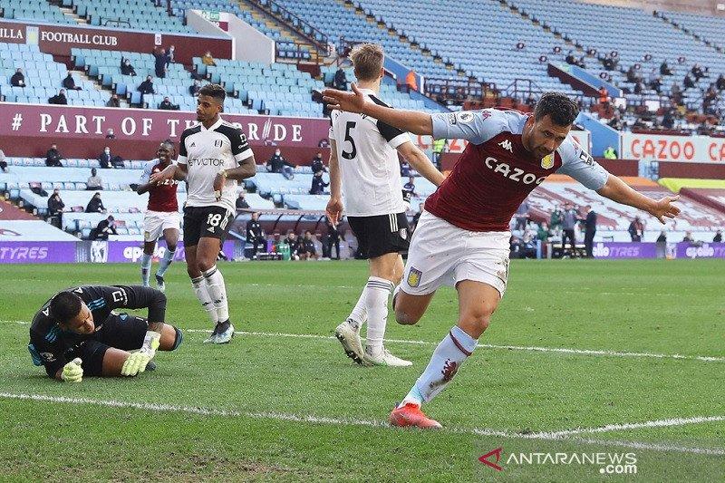 Dwigol Trezeguet bimbing Villa kembali ke jalur kemenangan