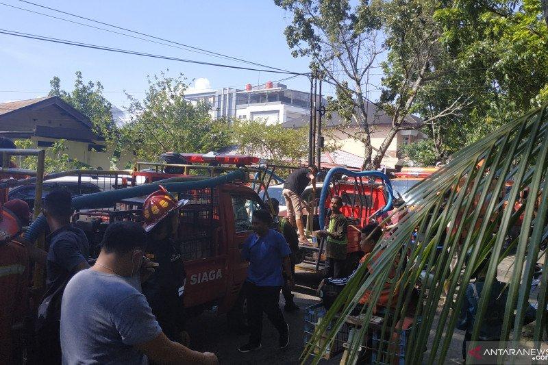 Lima unit asrama polisi di Pontianak terbakar
