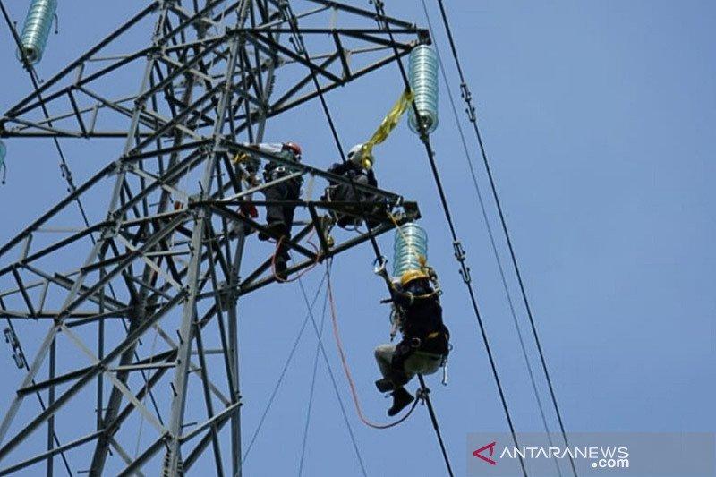 PLN telah menyalakan 82 persen gardu terdampak bencana di NTT