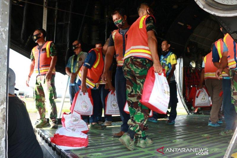 TNI AU kirim bantuan bagi korban bencana di Flores NTT