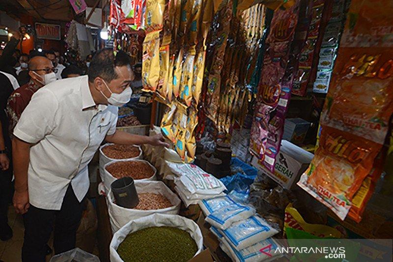 Target vaksinasi COVID-19 bagi pedagang pasar di Padang
