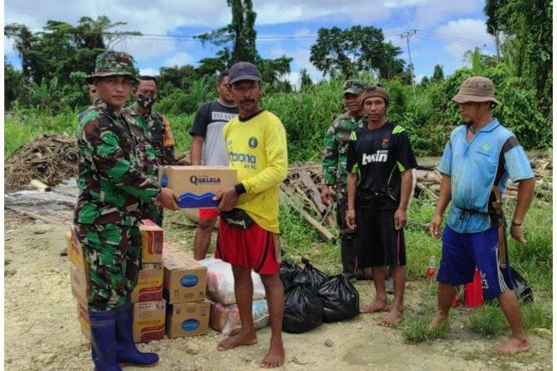 Kodim Jayapura salurkan bantuan bagi warga terdampak banjir Arso