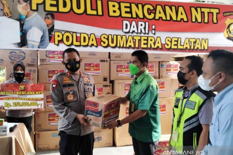 Polda Sumsel kirim bantuan ke korban bencana NTT