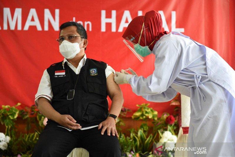 Satgas: 42,2 persen petugas publik telah divaksinasi dosis I
