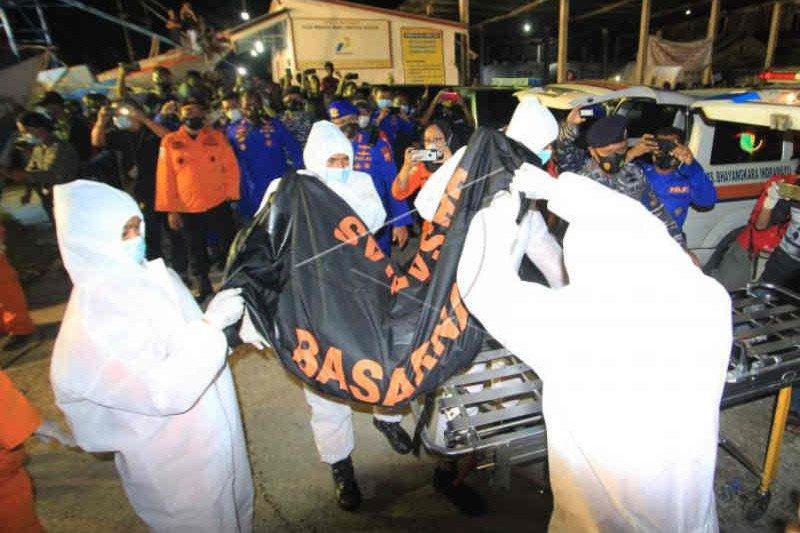 Tim SAR identifikasi tiga ABK Barokah Jaya, belasan masih dicari