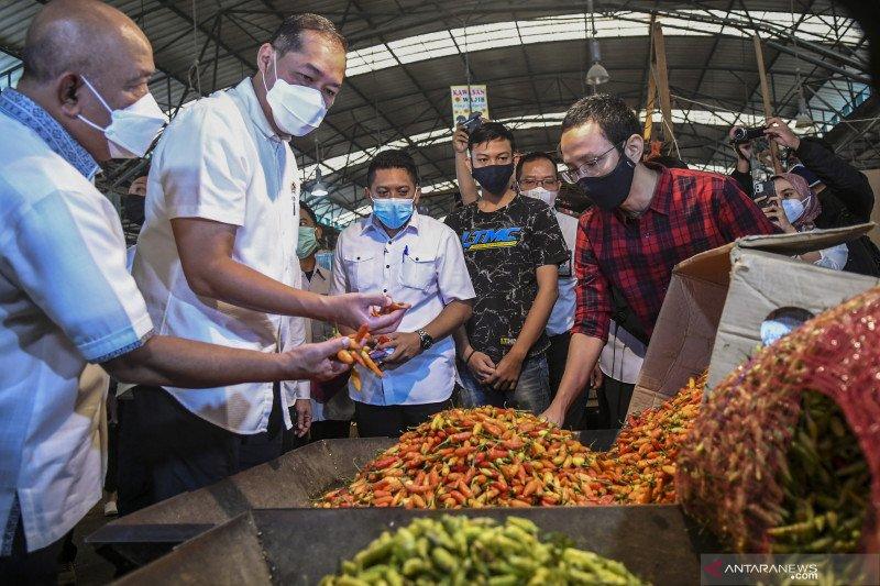 Menteri Perdagangan tinjau harga bahan pokok di Pasar Induk Kramat Jati