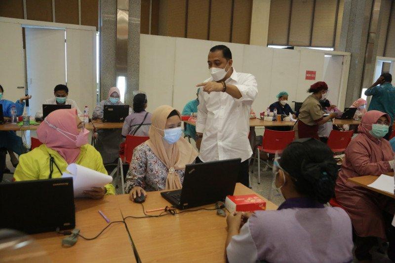 Vaksinasi di mal disebut percepat pemulihan ekonomi di Surabaya