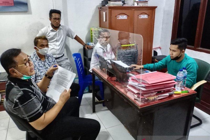 Epyardi Asda laporkan mantan Bupati Solok ke Polres Solok Kota