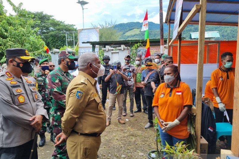 Gubernur Papua Barat minta masyarakat Teluk Wondama terima hasil PSU