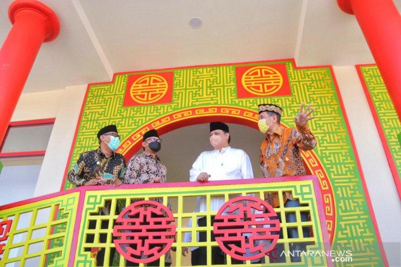 Airlangga Hartarto resmikan Masjid Jami Tine Tang bergaya  oriental