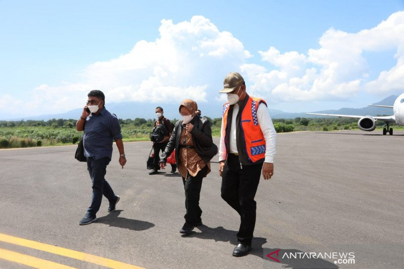 Mensos Risma balik kunjungi NTT, pastikan bantuan logistik tersalurkan
