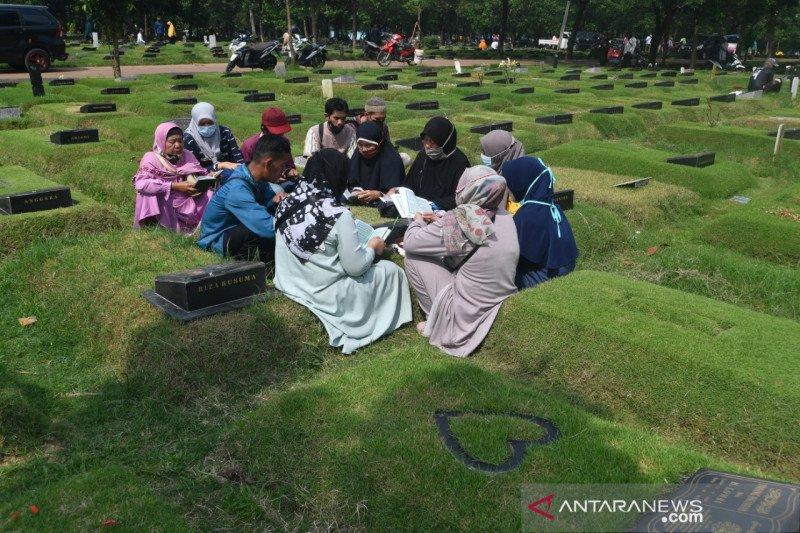 Ramadhan yang sepi di atas pusara