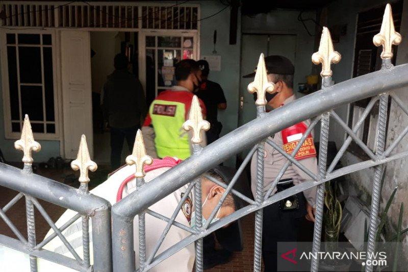Densus 88 menangkap terduga teroris di Pasar Rebo