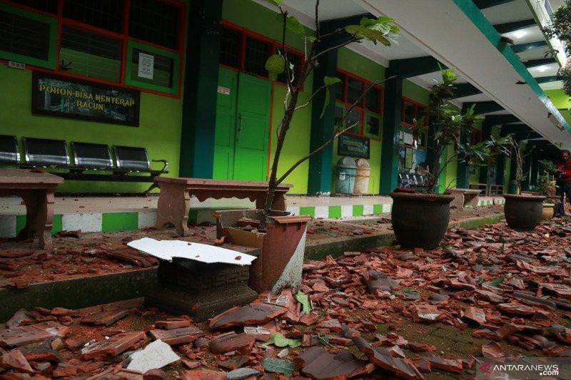 Satu orang dilaporkan meninggal akibat gempa di Kabupaten Malang