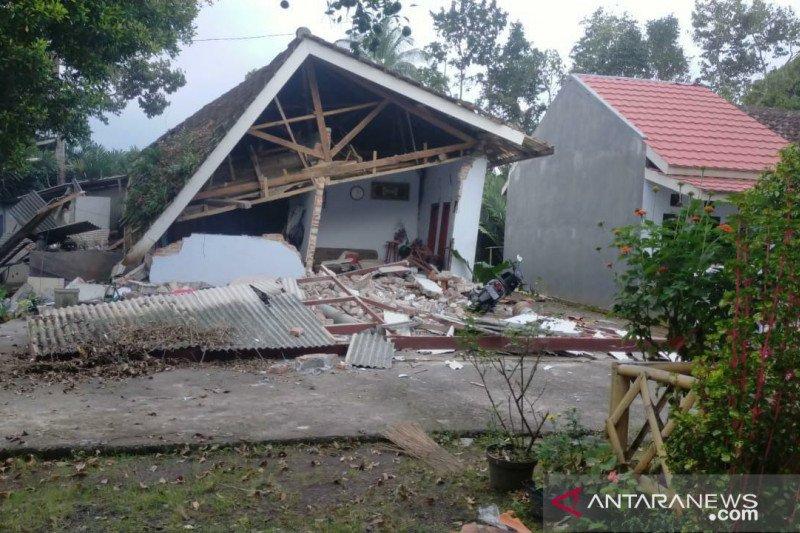 BMKG: Gempa magnitudo 5,5 kembali guncang Malang pada Minggu pagi