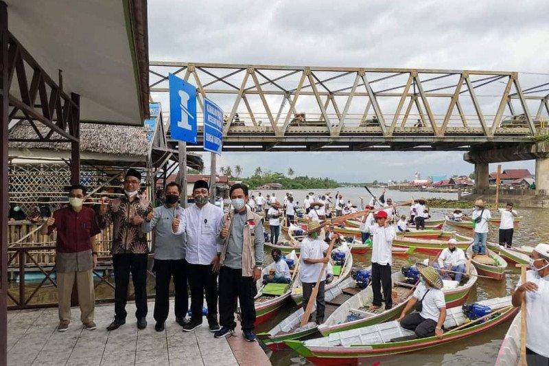 Uni Emirat Arab-Poliban hibahkan 99 perahu motor korban banjir Kalsel