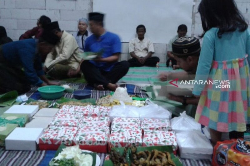 Sambut Ramadhan, warga Madiun gelar tradisi