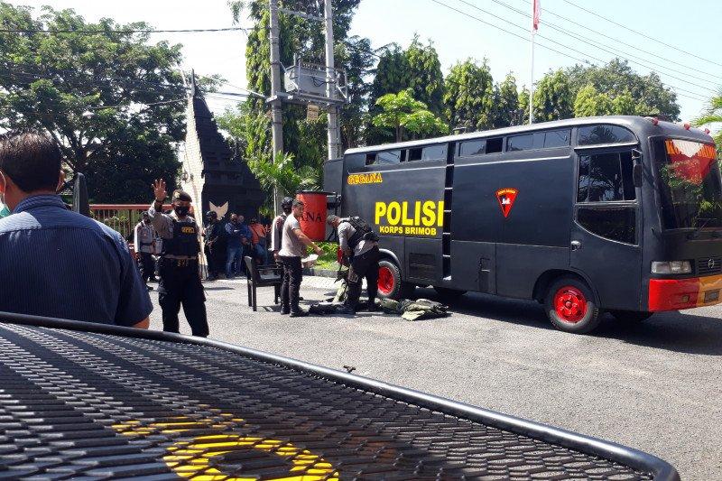 Petugas amankan tas mencurigakan di kantor DPRD Kediri