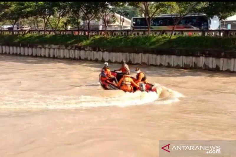 Remaja tenggelam di Kalimalang Bekasi, BPBD perluas penyisiran