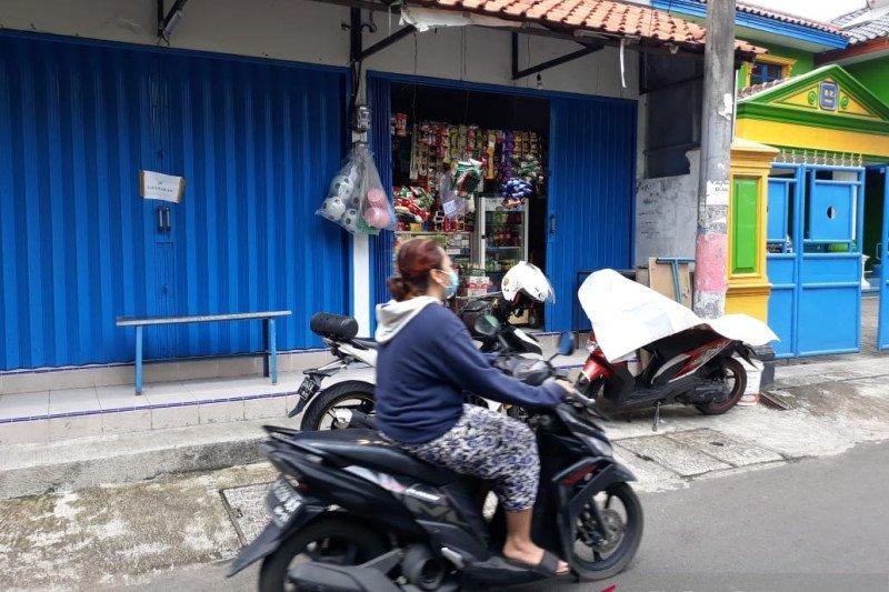 Lawan rampok, pemilik warung di Pasar Rebo alami luka bacok