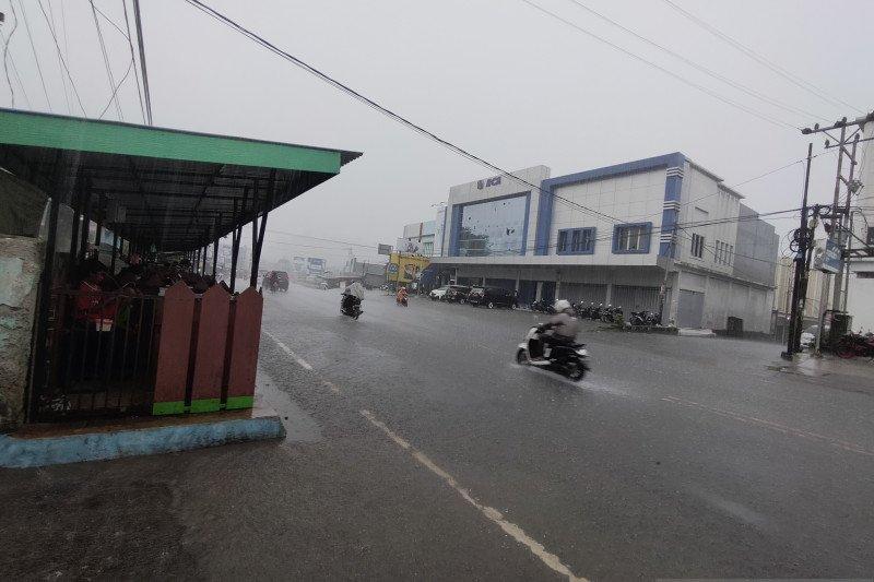 Manokwari waspada bibit siklon tropis 94 W
