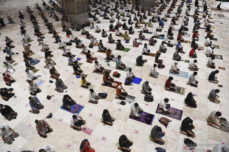 DKI utus 100 duta imam tarawih ke 400 masjid di Jakarta