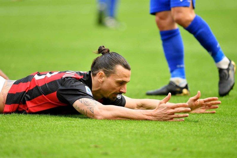Cedera Ibrahimovic jadi kekhawatiran Milan jelang laga kontra Sassuolo